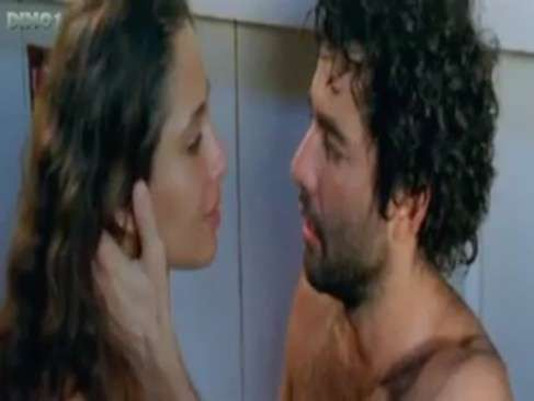 Camila Pitanga pelada em cenas quentes de sexo