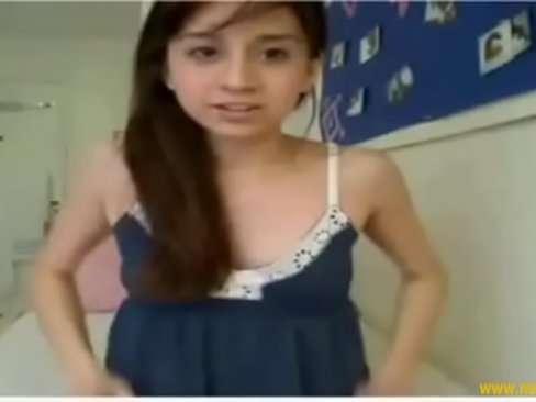 Vídeo da garota se exibindo na cam tocando xoxota