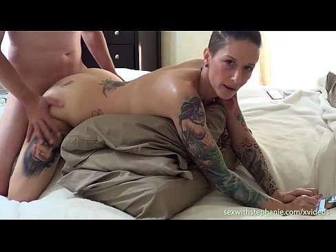 Vídeo fodendo a irmã do amigo tatuada
