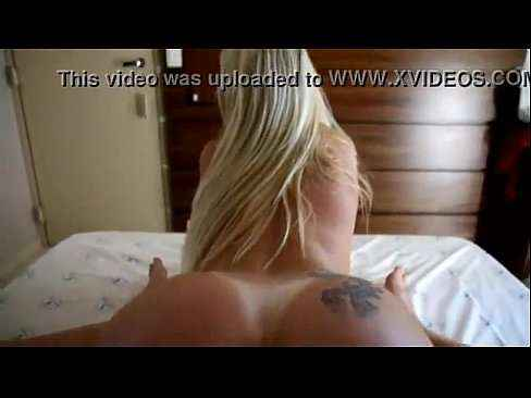 Loira amadora fodendo no motel