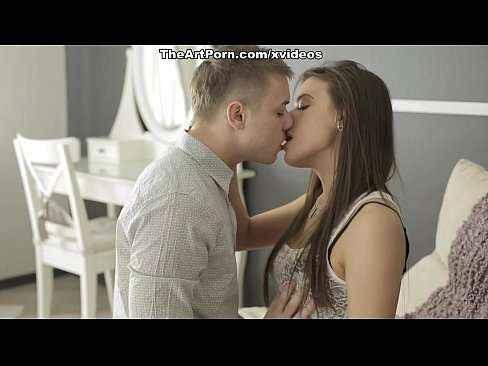 Xvideos porno comendo novinha gostosa
