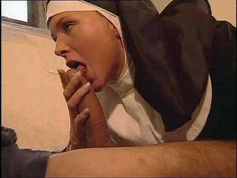 Comendo a freira gostosa