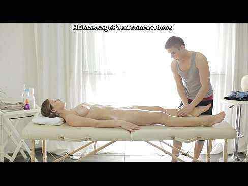 Fazendo Massagem Na Namorada Pelada