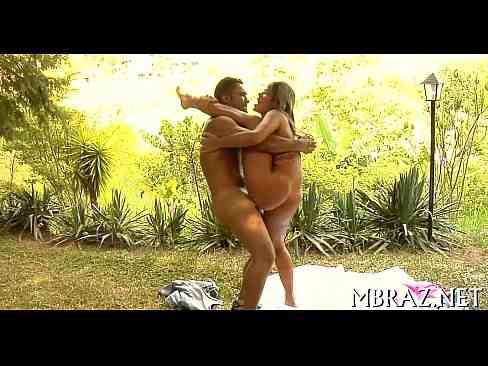 Srta X gostosa em porno fodendo com força
