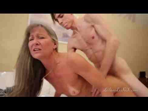 Xvideos incesto de tia fodendo com seu sobrinho