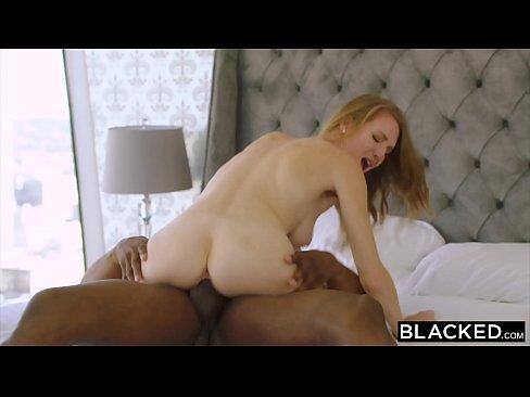 Ver video de sexo loira magrinha cavalgando no pau do negao